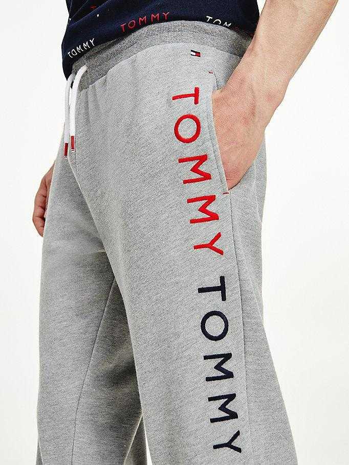 Pantalón Jogger Caballero Tommy Hilfiger Logos Bordados   -   - PEPI GUERRA