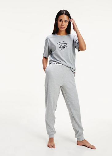 Camiseta Tommy Hilfiger Organic cotton logo COLOR: gris; TALLAS: s, m, l Composición: algodón - BAÑO  - PEPI GUERRA
